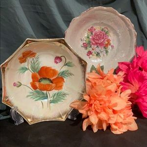 Set of two decorative bowls from China and Japan